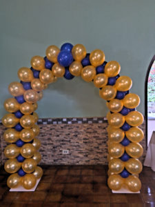 High School reunion - balloon arch