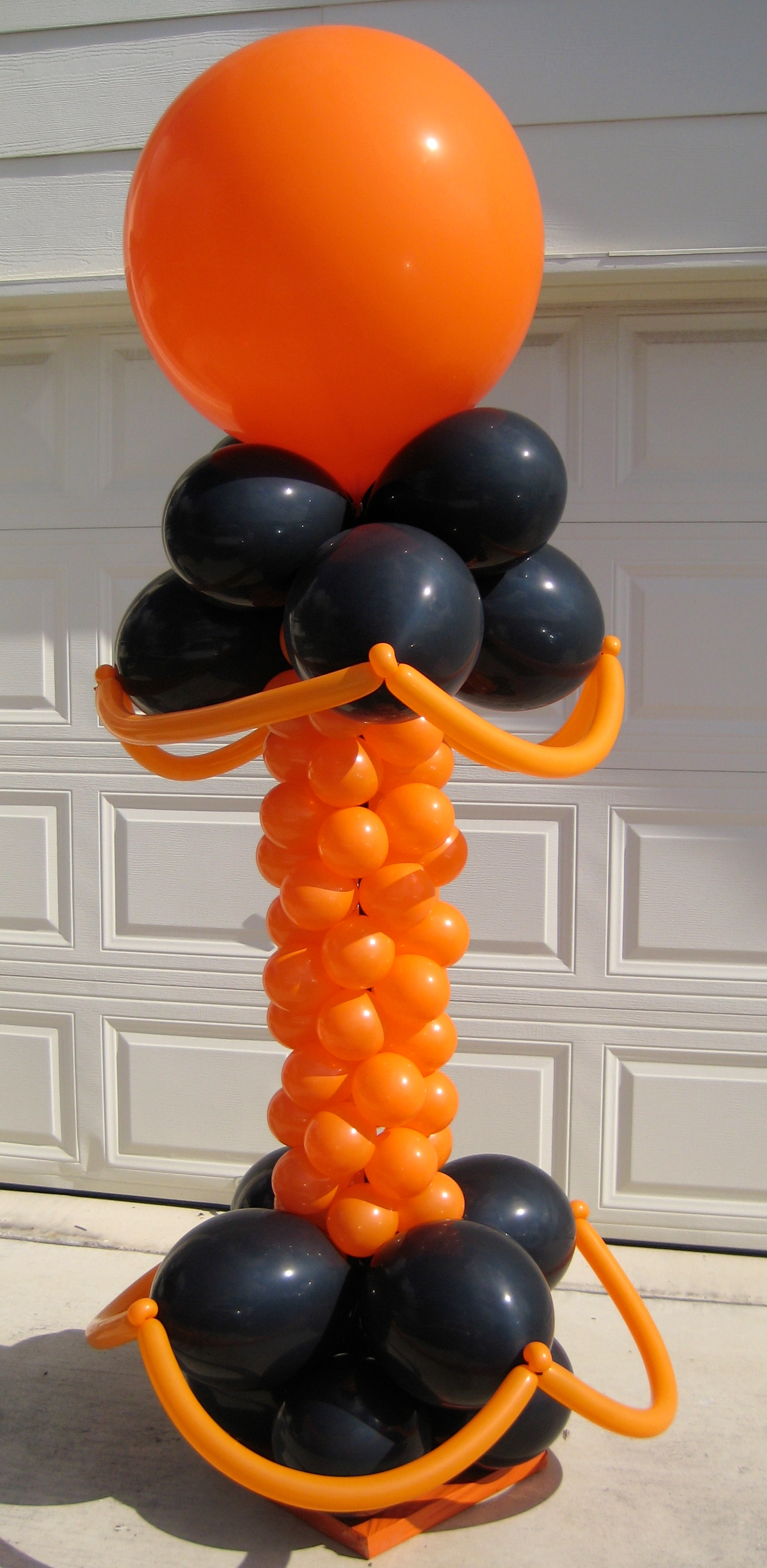 Halloween balloon decorations party favors ideas for Balloon decoration for halloween