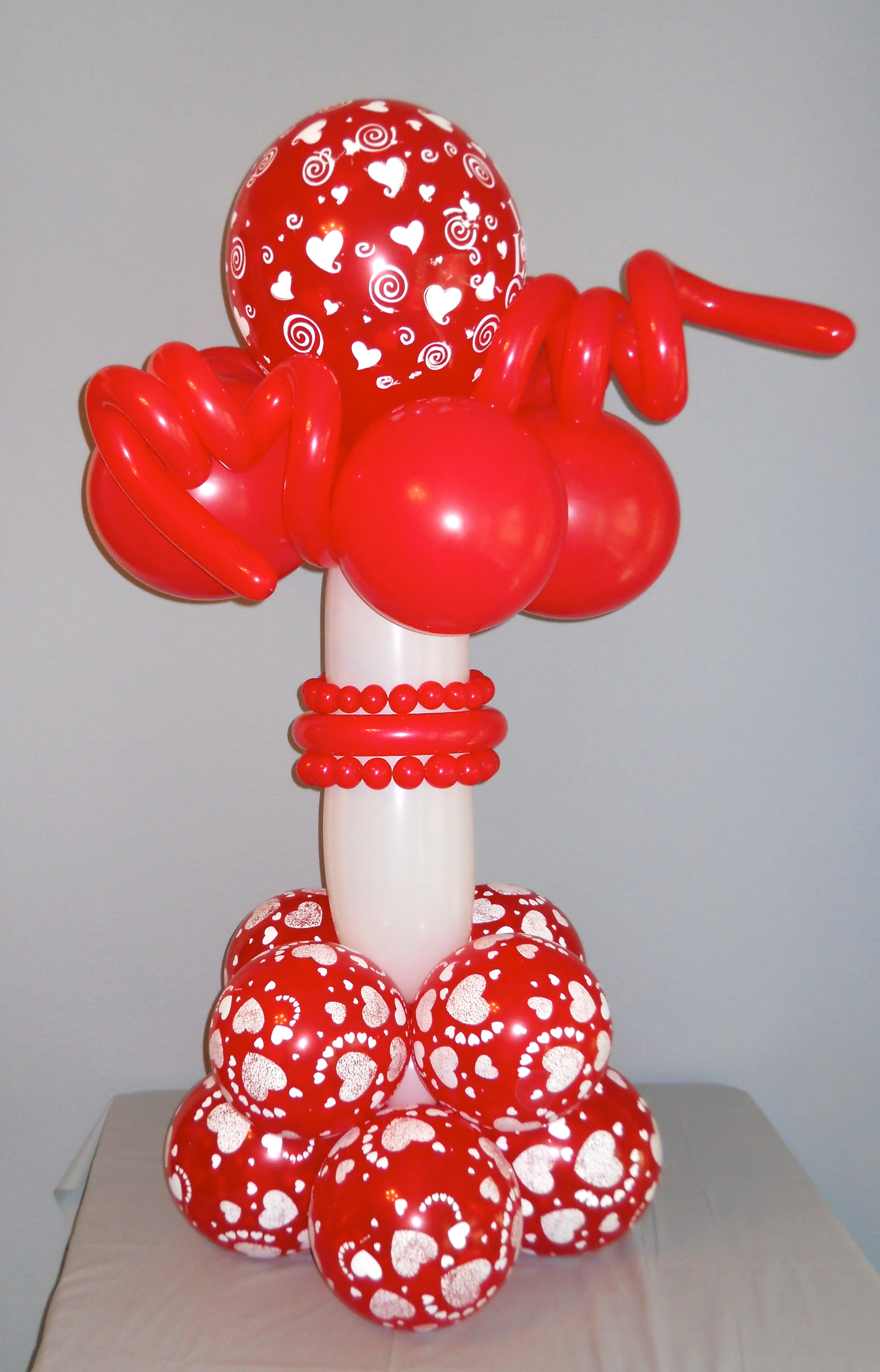 Balloon centerpieces delight your guests enhance