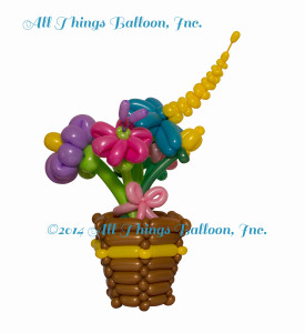 balloon twister: balloon vase with balloon flowers