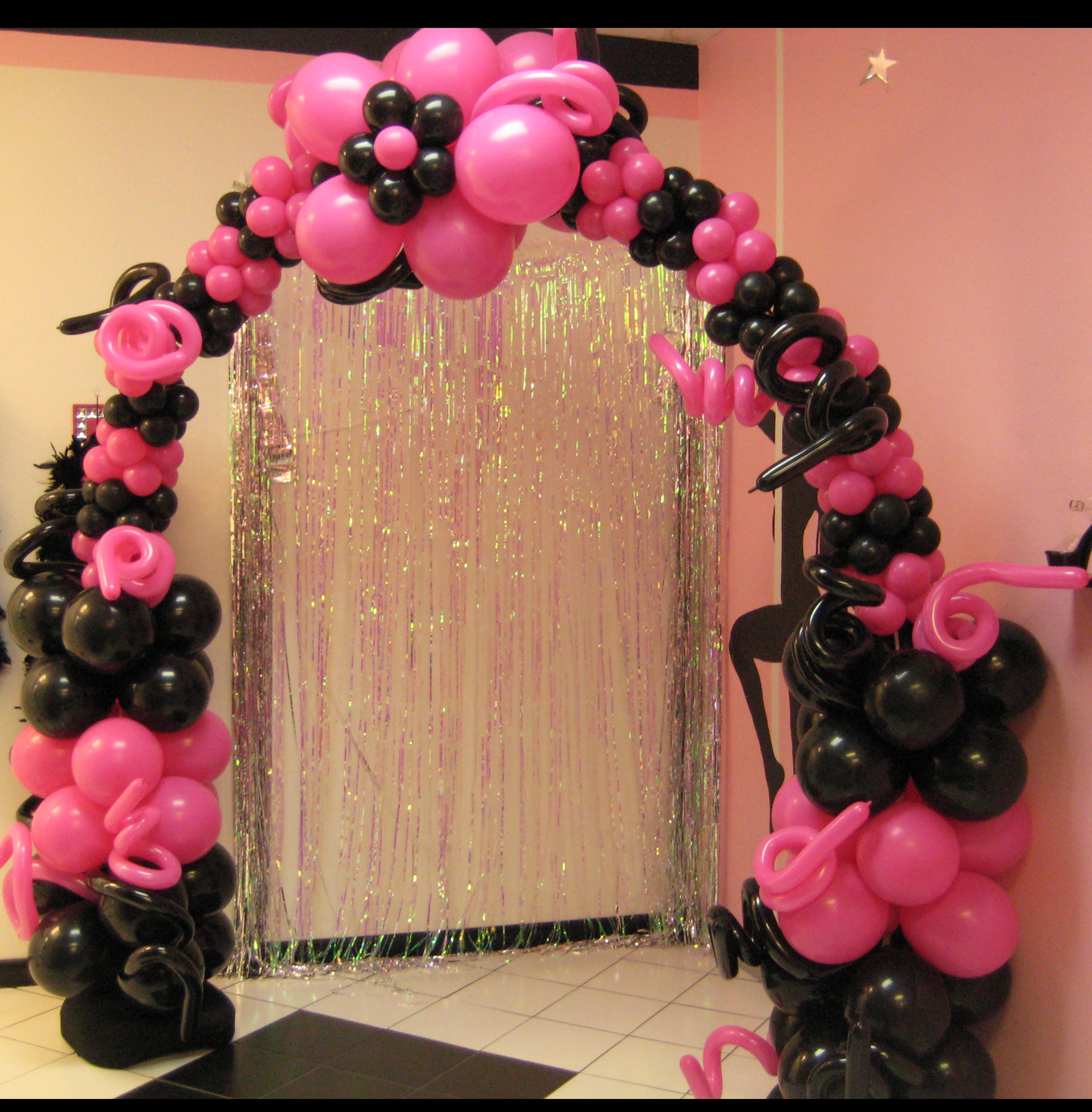 Balloon arches trade shows and corporate company events for Balloon decoration arches