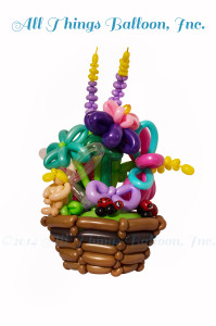 balloon artist: large balloon vase with flowers, ladybugs, fairy