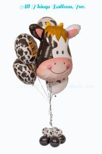 Balloon decor: balloon bouquet cow