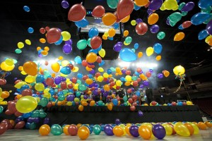 balloon decorator: balloon drop; Grand Opening