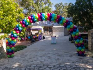 balloon decor - Multi-colored arch